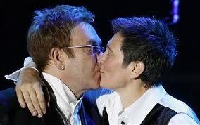 Elton John Kisses KD Lang