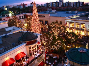 The Grove Shopping Center, Christmas, Los angeles