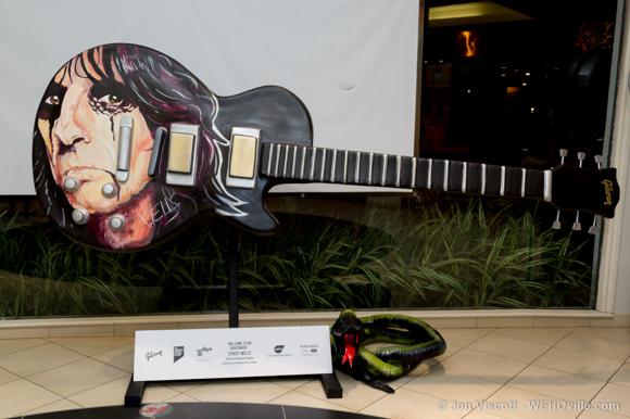 guitartown art sculptures - alice cooper