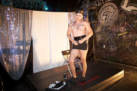 boylesque striptease