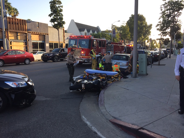 Accident at intersection of Melrose Avenue and West Knoll (Photo by Jacob Rogers).
