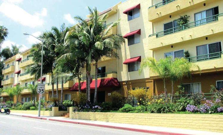 Fountain Avenue apartment building